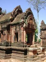 Angkor-Wat-Laos-Ancient-Khmer-Empire-Tour-BSareay-temple