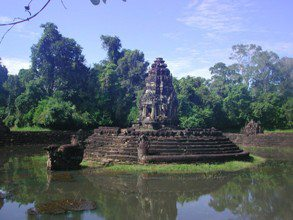 Angkor-Wat-Laos-Ancient-Khmer-Empire-Tour-Neak-Pean
