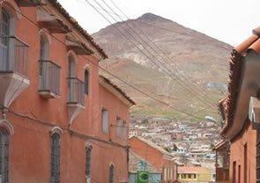Bolivia-Tour-La Paz-Inkallaqta-Tiwanaku-Copacabana-Postosi-street