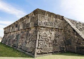 Central-Mexico-Tour-Teotihuacan-Fotolia-xochicalco-temple-facade