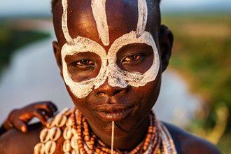 Ethiopia-Tour-Lalibela-Gondor-Omo-Valley-Karo-Tribes-girl