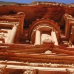 Grandeurs-Petra-Splendors-Jordan-Tour-Ain-Ghazal-statue-Treasury-roof