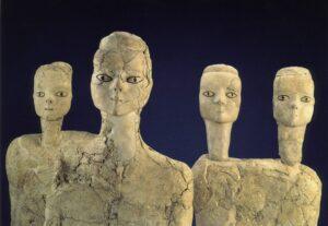 Grandeurs-Petra-Splendors-Jordan-Tour-Ain-Ghazal-statues