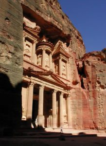 Grandeurs-Petra-Splendors-Jordan-Tour-The-Treasury