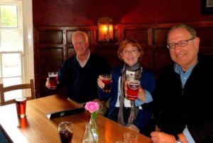Great-Britain-Tour-Pub-Crawl-England-Ireland-Wales-Edinburgh-London-Group