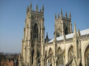 Great-Britain-Tour-Pub-Crawl-England-Ireland-Wales-Edinburgh-London-York-Minster-Roof-2