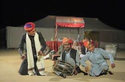 India-Tour-Gujarat-Rajasthan-Rajasthani-desert-musician