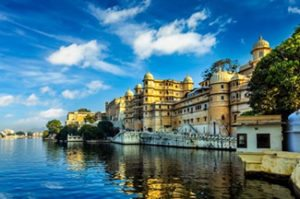 India-Tour-Gujarat-Rajasthan-Udaipur-city-palace-lake