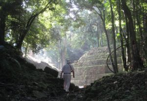 mike-coe tour Maya tour Yaxchilan tour