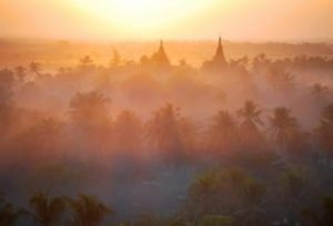 Myanmar-Tour-Burma-Temples-on-Inle-Lake-Mrauk-Uinthe-Mistat-Sunset