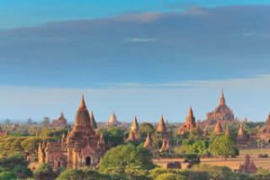 Myanmar-Tour-Burma-Temples-on-Inle-Lake-bagani