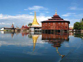 Myanmar-Tour-Burma-Temples-on-Inle-Lake-inle-lake-scene