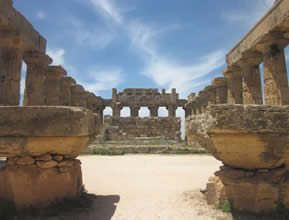 Selinunte temple Far Horizons Sicily Tour