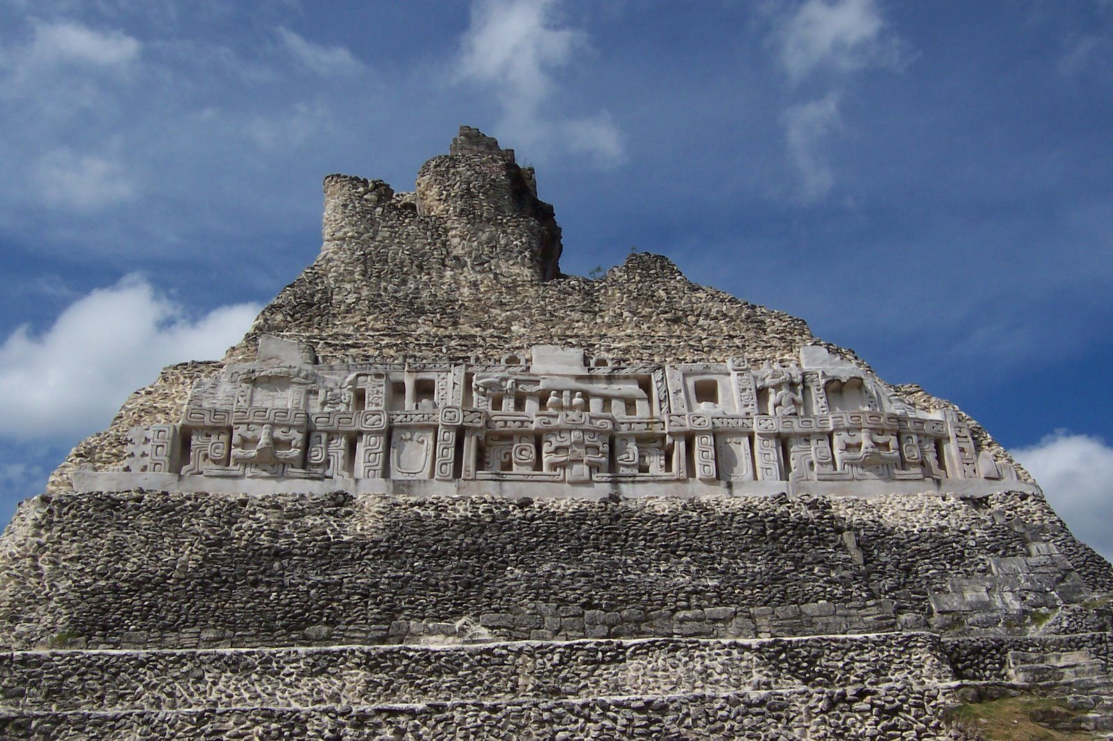 Xunantunich tour Stanley Guenter tour Belize tour