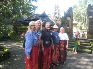 Group Bali temple Indonesia tour