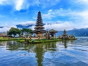 Pura Ulun Danu Bratan Indonesia tour Bali tour archaeology tour
