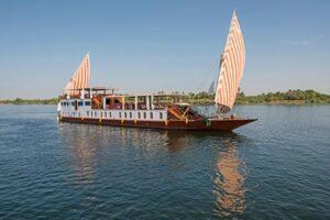 Egyptian Dahabiya tour cruise on Nile