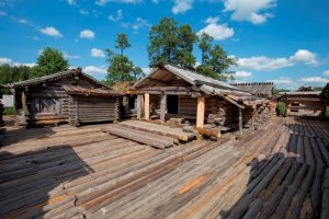Araisi lake dwelling site Baltics tour history crusades