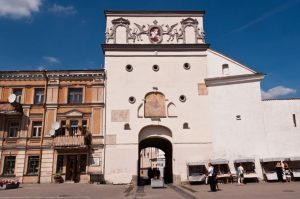 Vilnius Gate of Dawn archaeology tour history crusades